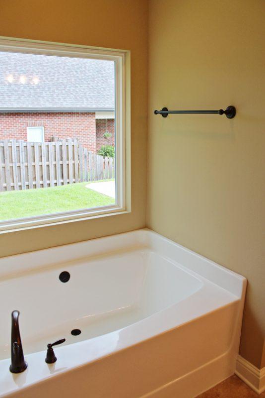 Brooke Model Home tub