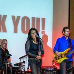 Band Deja'Vu performing