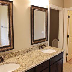 101 Arrowhead Way bathroom