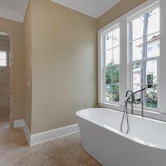 1630 San Marina master bathroom tub