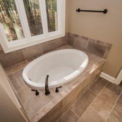 Live Oak Master Bath
