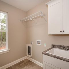 Willow Oak Laundry Room