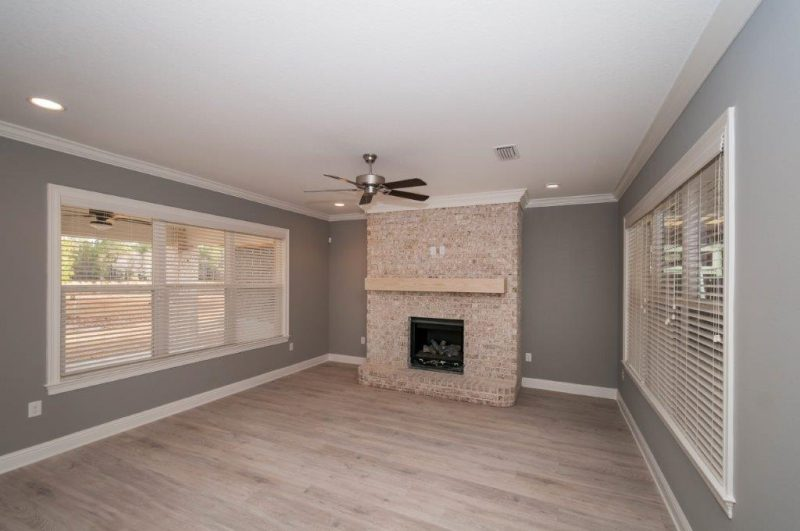 Chestnut Oak Living Area