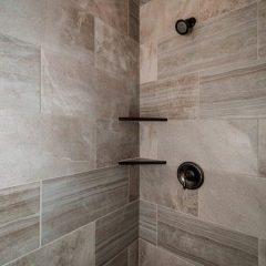 Black Oak Master Shower
