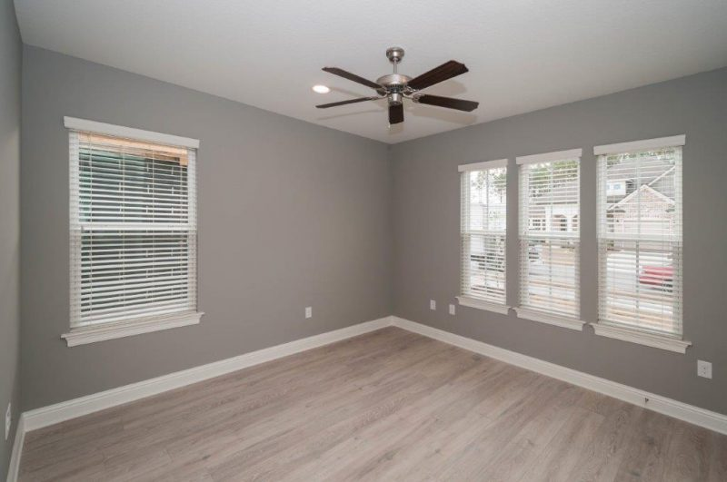 Chestnut Oak Guest Bedroom
