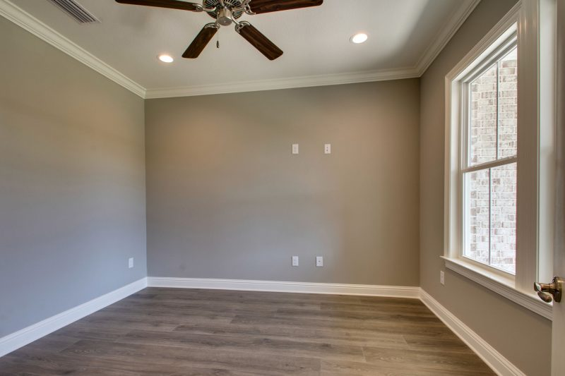 Red Oak Flex Room