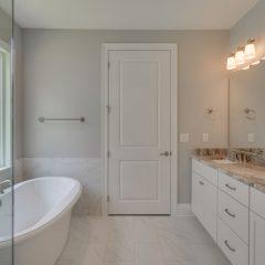 Cottage M master bath