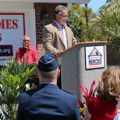Randy Wise speaking at the Hale Welcome Home Celebration