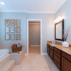 Deslauriers home master bathroom