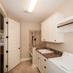1504 Mill Creek Drive laundry