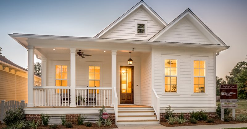 Parkview Place white home in Niceville