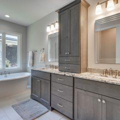 Osprey Ridge home bathroom in Niceville