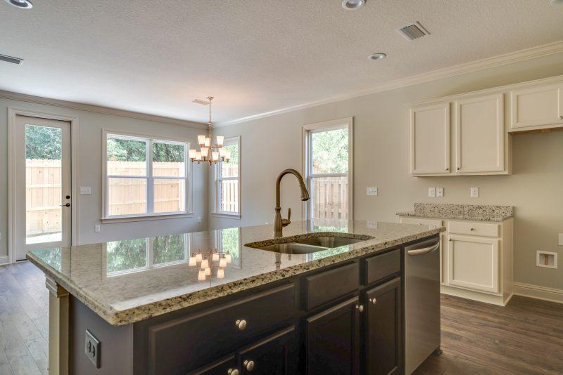 Cottage I Laurel Oaks kitchen