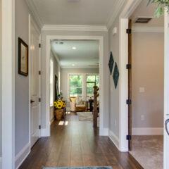 Cottage F Foyer
