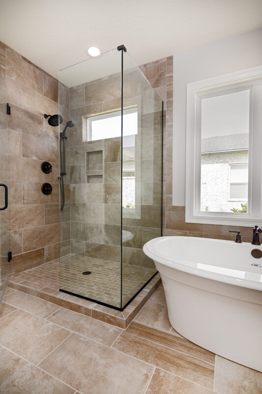 Starfish D Master Shower and Soaking Tub in Osprey Ridge in Niceville, Florida